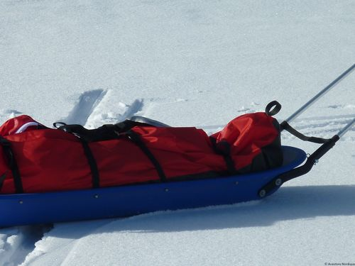 pulka-ice-blue-snowsled_04
