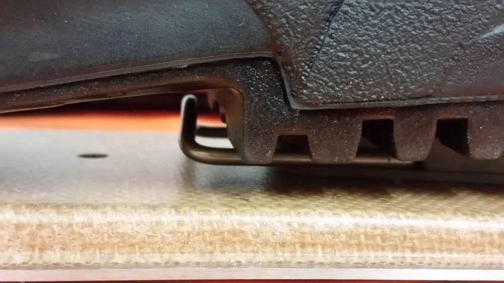 Bon positionnement : la chaussure repose sur la cale de rehausse