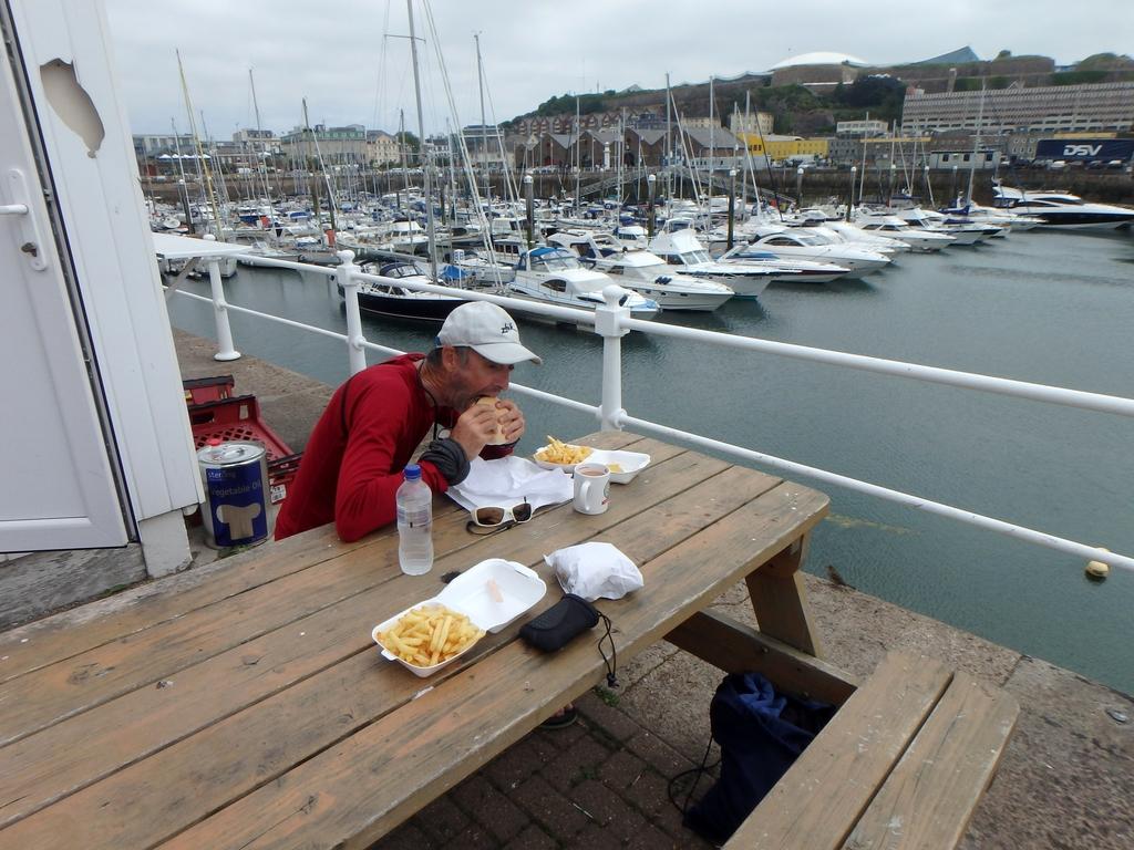 Jersey : relâche au port de St Hélier