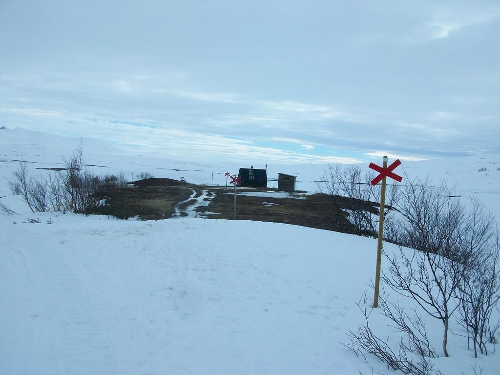La hut d'Ultatjän : un îlot herbeux bienvenu