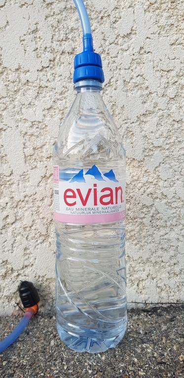 Compatible avec la bouteille d'eau minérale Evian
