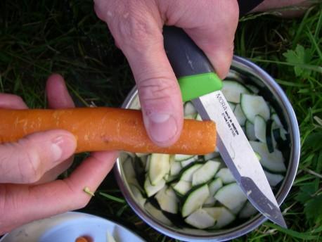 Couteau polyvalent pour activités outdoor